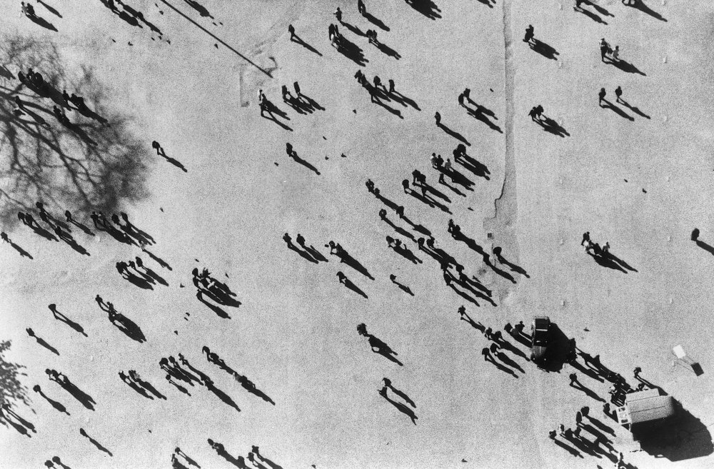 joli-mai-le-1963-001-silhouettes-00m-epf